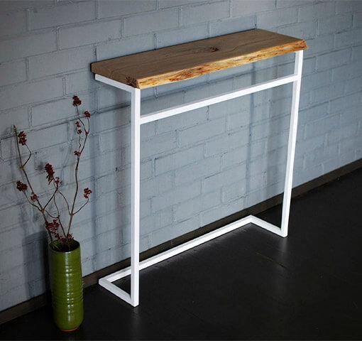 консольный столик с перекладиной