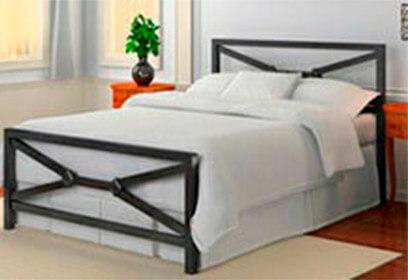 Кровать с крестами