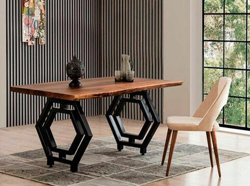 Стол с шестиугольными ножками
