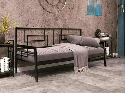 диван на металлокаркасе