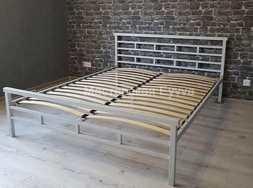 кровать прямые линии
