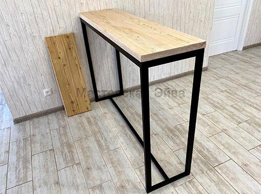 Барный стол с легкой колеровкой