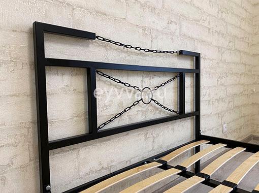 спинка кровати в стиле лофт с цепями