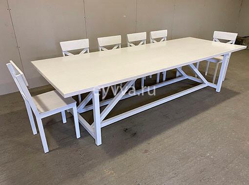 обеденный стол в белом цвете