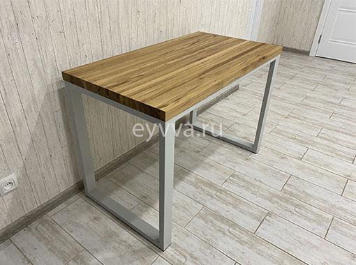 письменный стол с серым подстольем