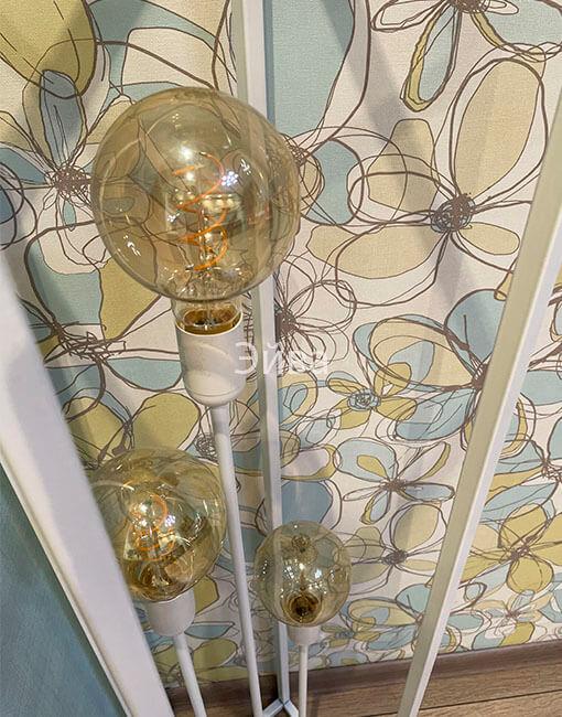 светильник лофт в белом цвете