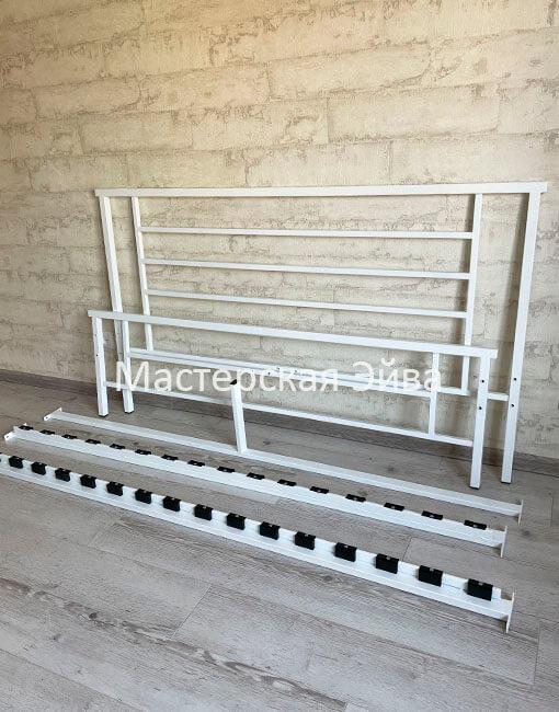металлическая двухспальная кровать в разобранном виде